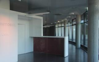 Große, helle Geschäftsfläche im Erdgeschoss